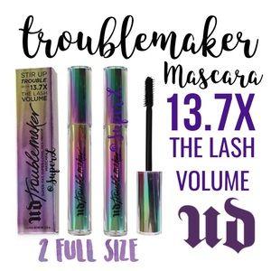 2 Urban Decay Troublemaker Lash Volume Mascara